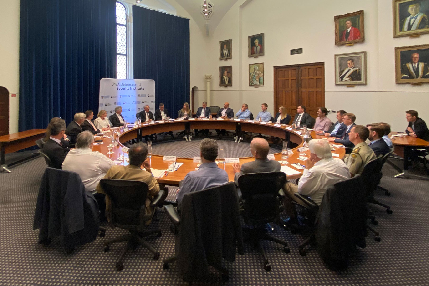 Private-roundtable-lunch-with-Vice-Admiral-Professor-Paul-Maddison-2